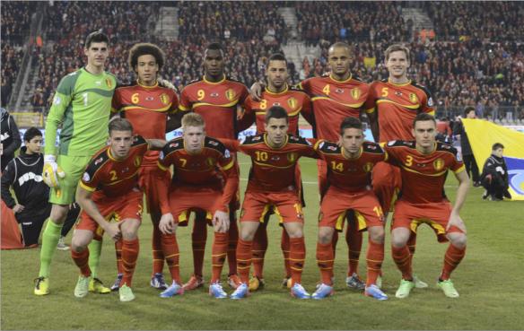 Once inicial que Wilmots alineó en el partido clasificatorio disputado ante Macedonia en casa el pasado mes de marzo. De izquierda a derecha detrás: Courtois, Witsel, Benteke, Dembélé, Kompany y Vertonghen. Delante: Alderweireld, De Bruyne, Hazard, Merterns y Vermaelen.