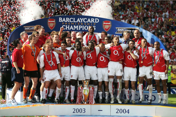 El Arsenal además de completar aquella temporada irrepetible, extendió su racha de partidos ligueros invictos a las once primeras jornadas de la siguiente campaña. De esta manera los hombres de Arsene Wenger enlazaron un total de 49 sin conocer la derrota, récord histórico para cualquier equipo inglés Talksport.